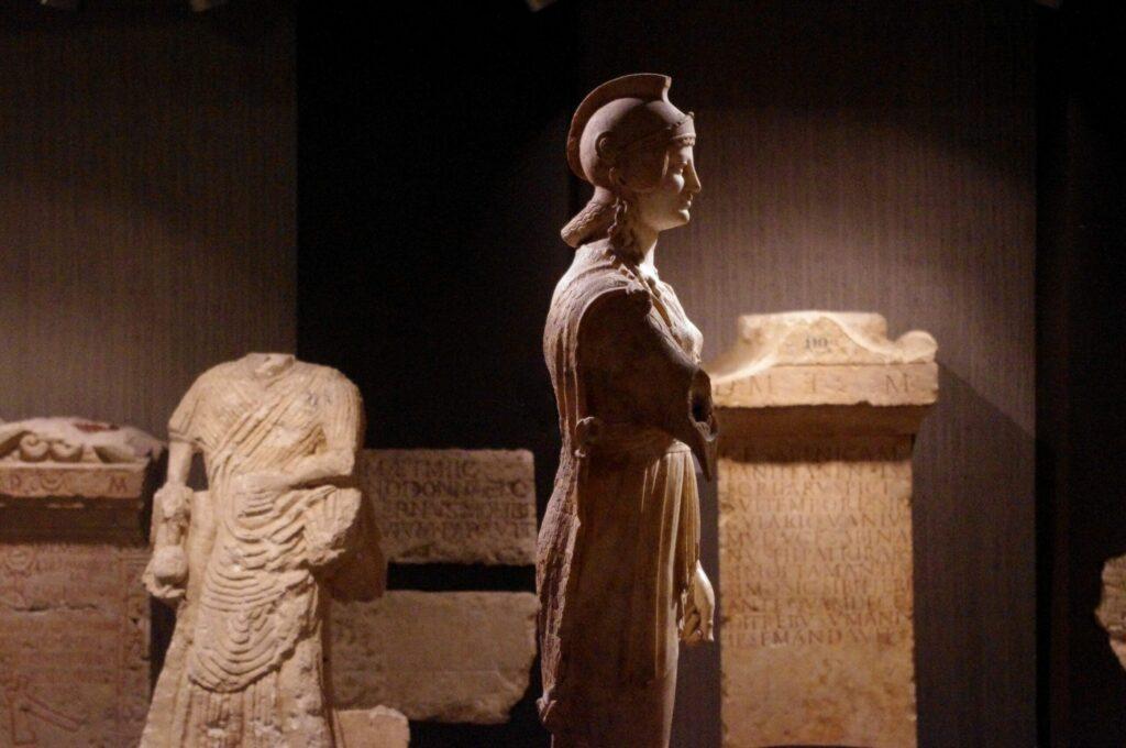 exposition au musée Sainte-Croix de Poitiers