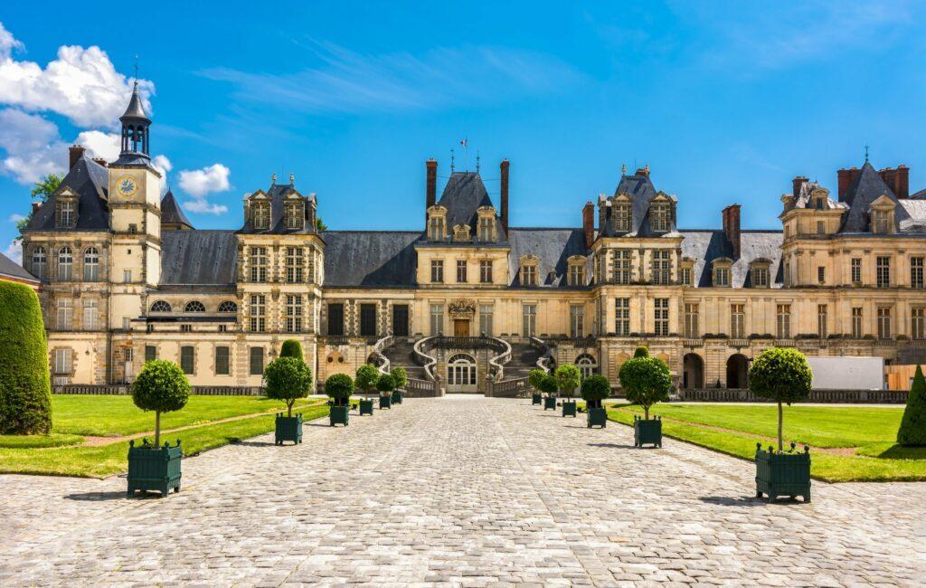 château de Fontainebleau en amoureux proche de Paris
