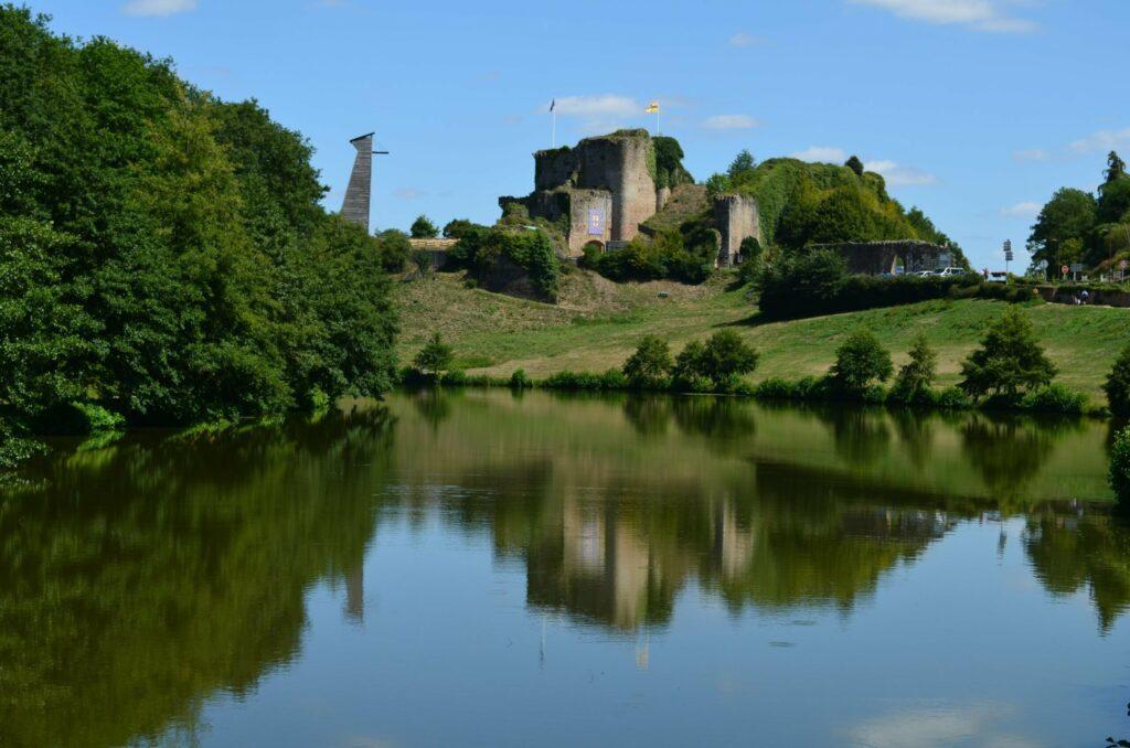 Château de Tiffauges à faire en Vendée