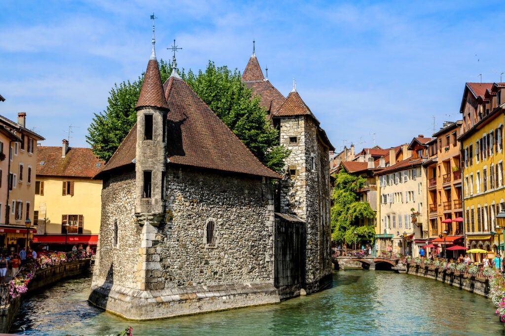 Le Palais de l'Isle à faire à Annecy