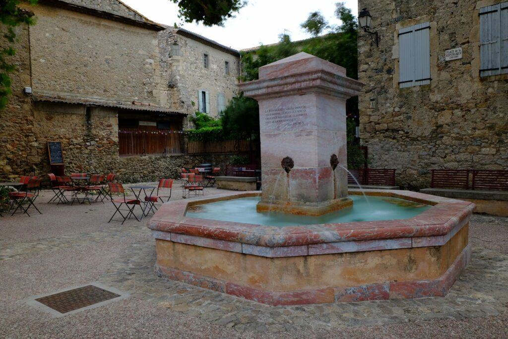 Le village de Caunes-Minervois autour de Carcassonne