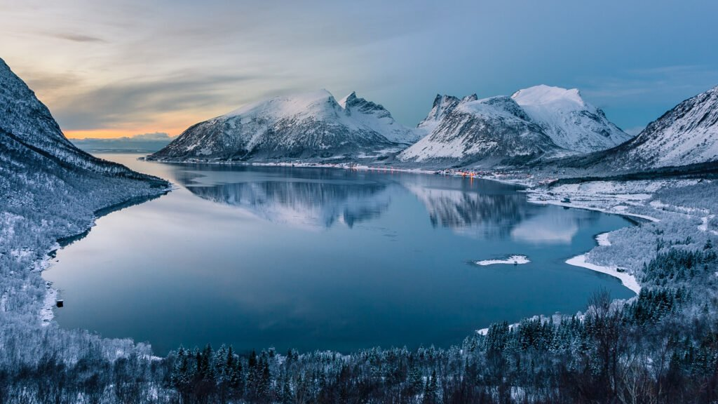 Un fjord en hiver