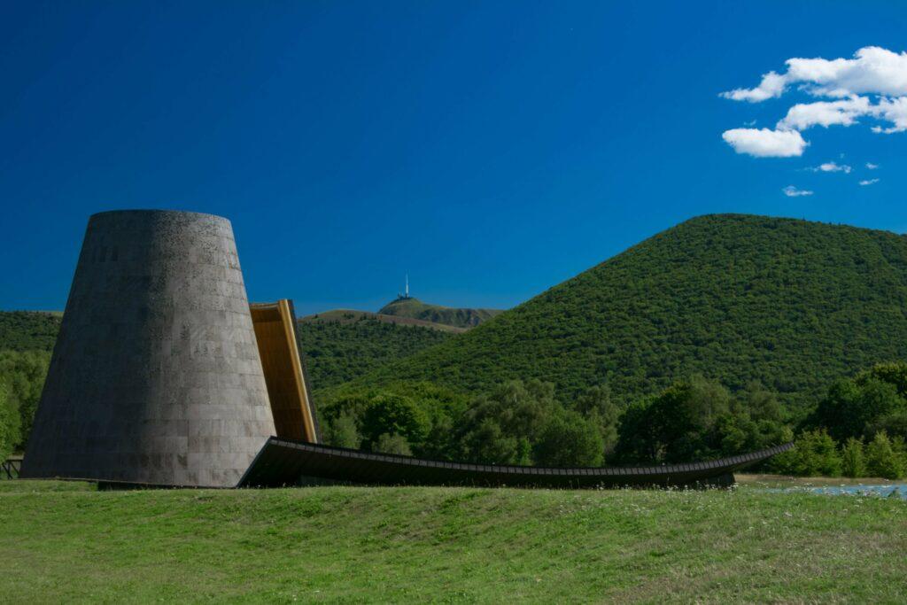 Vulcania dans le parc national des volcans d'Auvergne