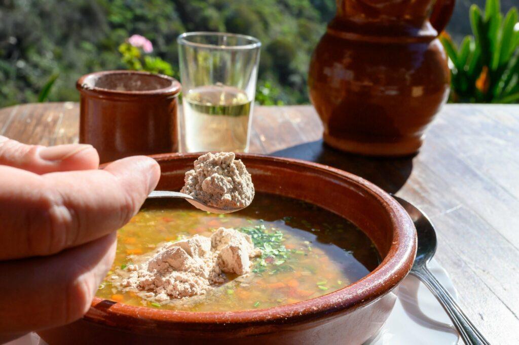 Soupe servie avec le Gofio à Masca