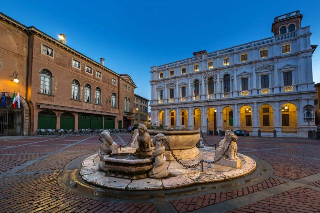 La piazza Vecchia