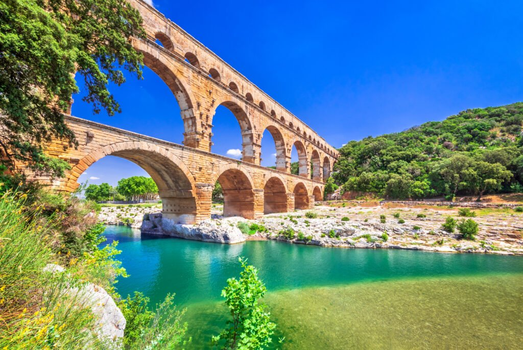Le Pont du Gard dans les paysages de France