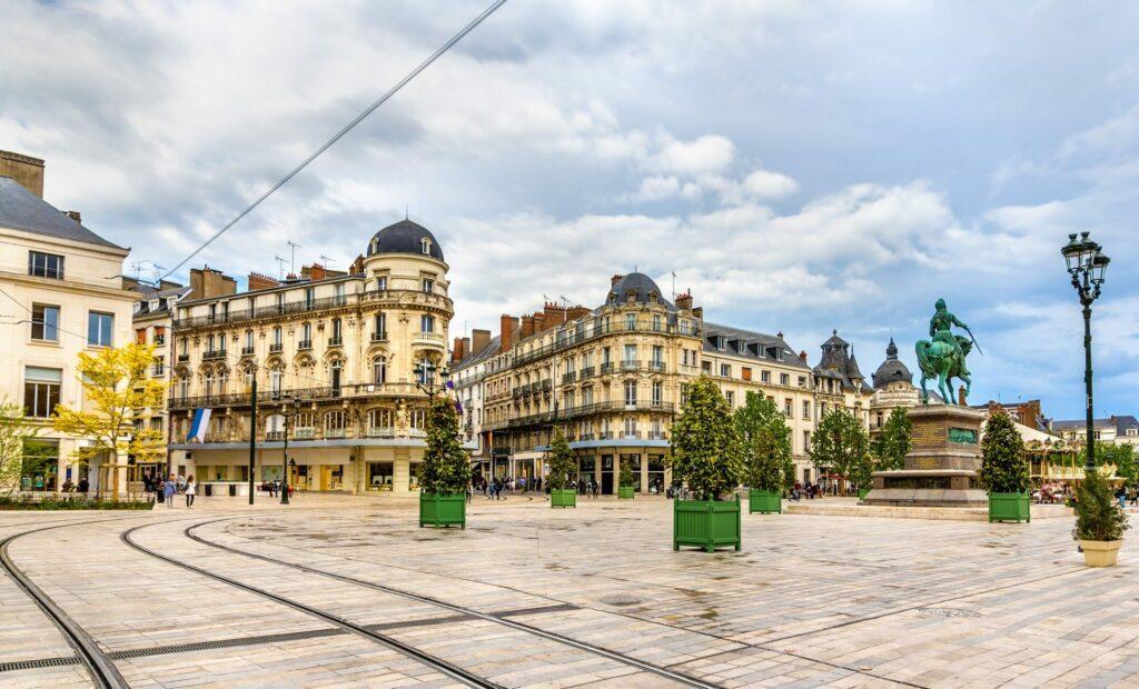La place du Martroi à Orléans