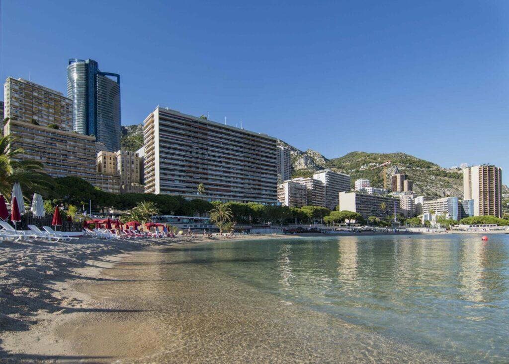 La plage de Larvotto à faire à Monaco